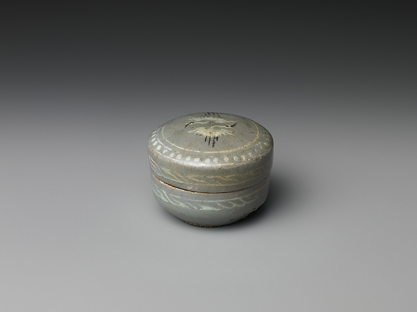 Box from set of five decorated with cranes and clouds, Stoneware with inlaid design under celadon glaze, Korea