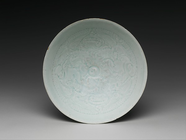 Bowl with Two Boys and Foliage, Porcelain with incised and combed decoration under celadon glaze (Qingbai ware), China
