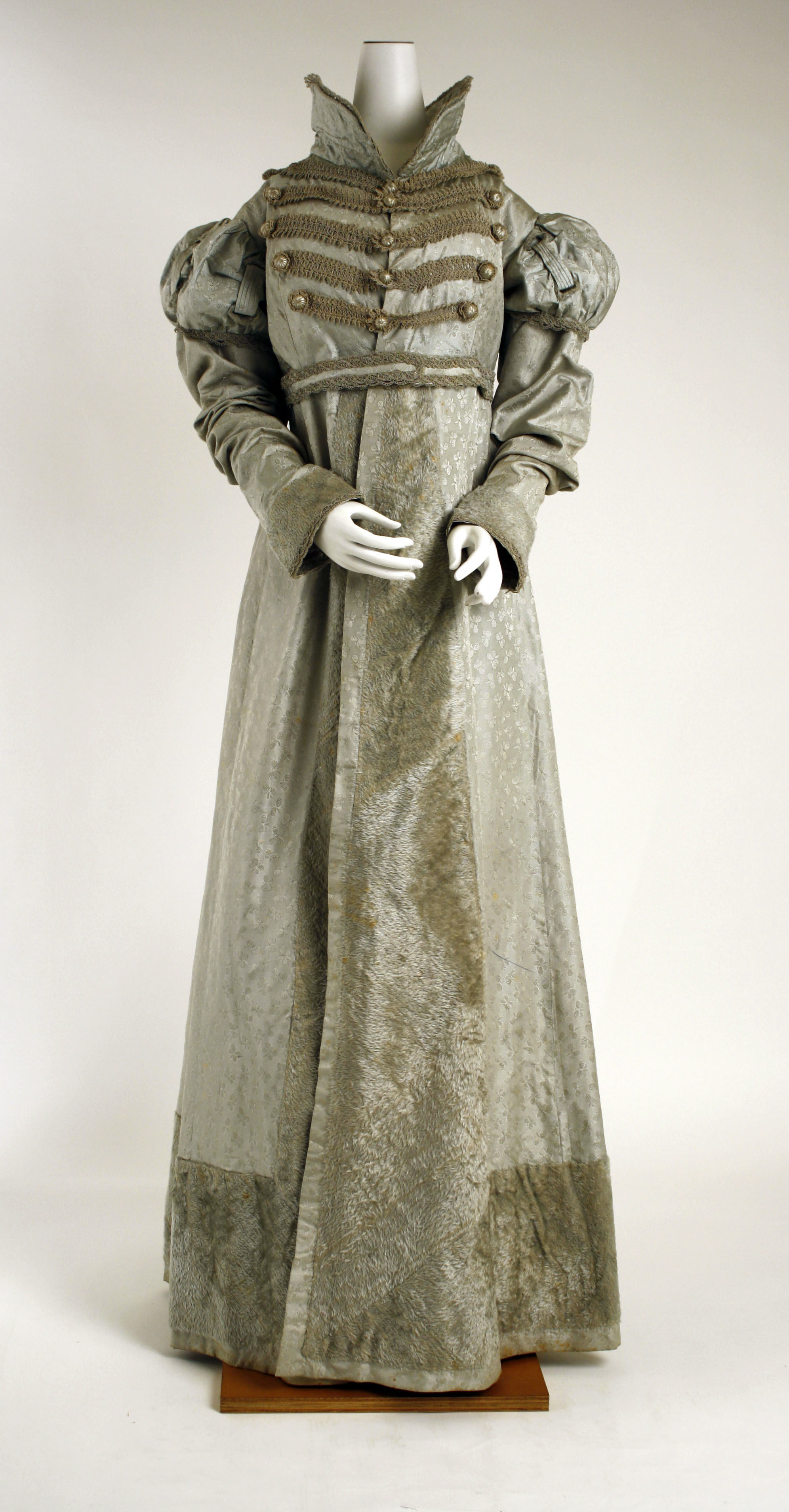 1800 Fashion Plate