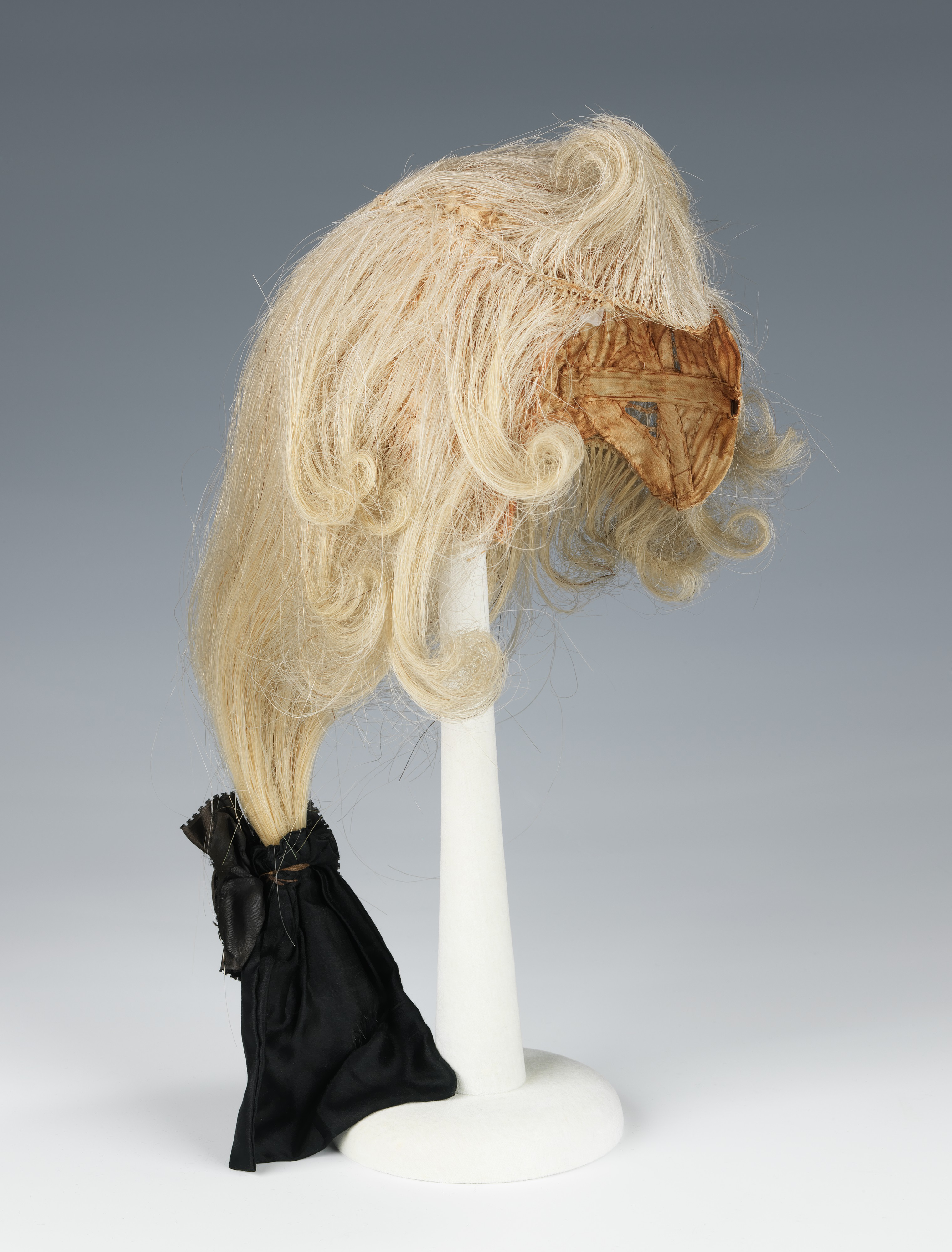 wig french  met