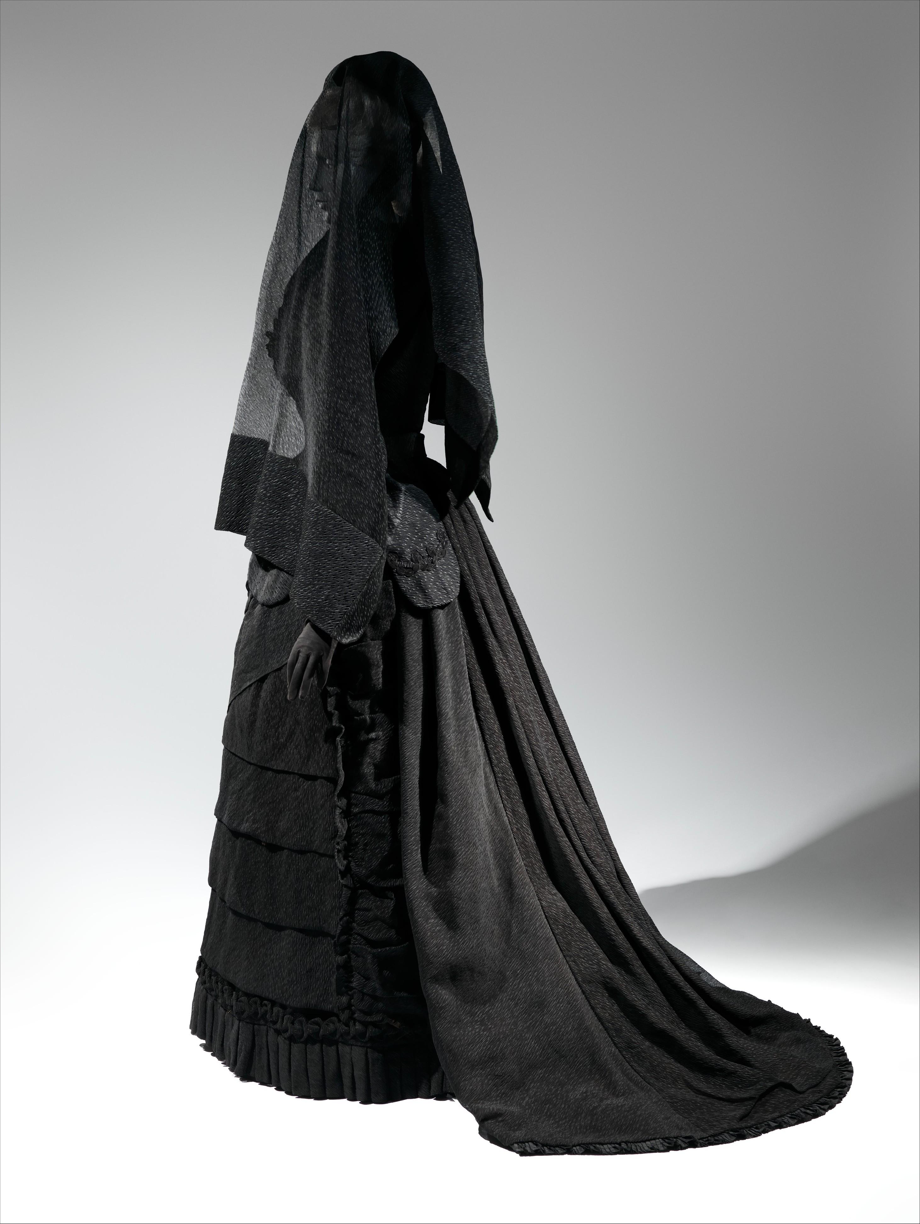 Mourning ensemble, silk, American