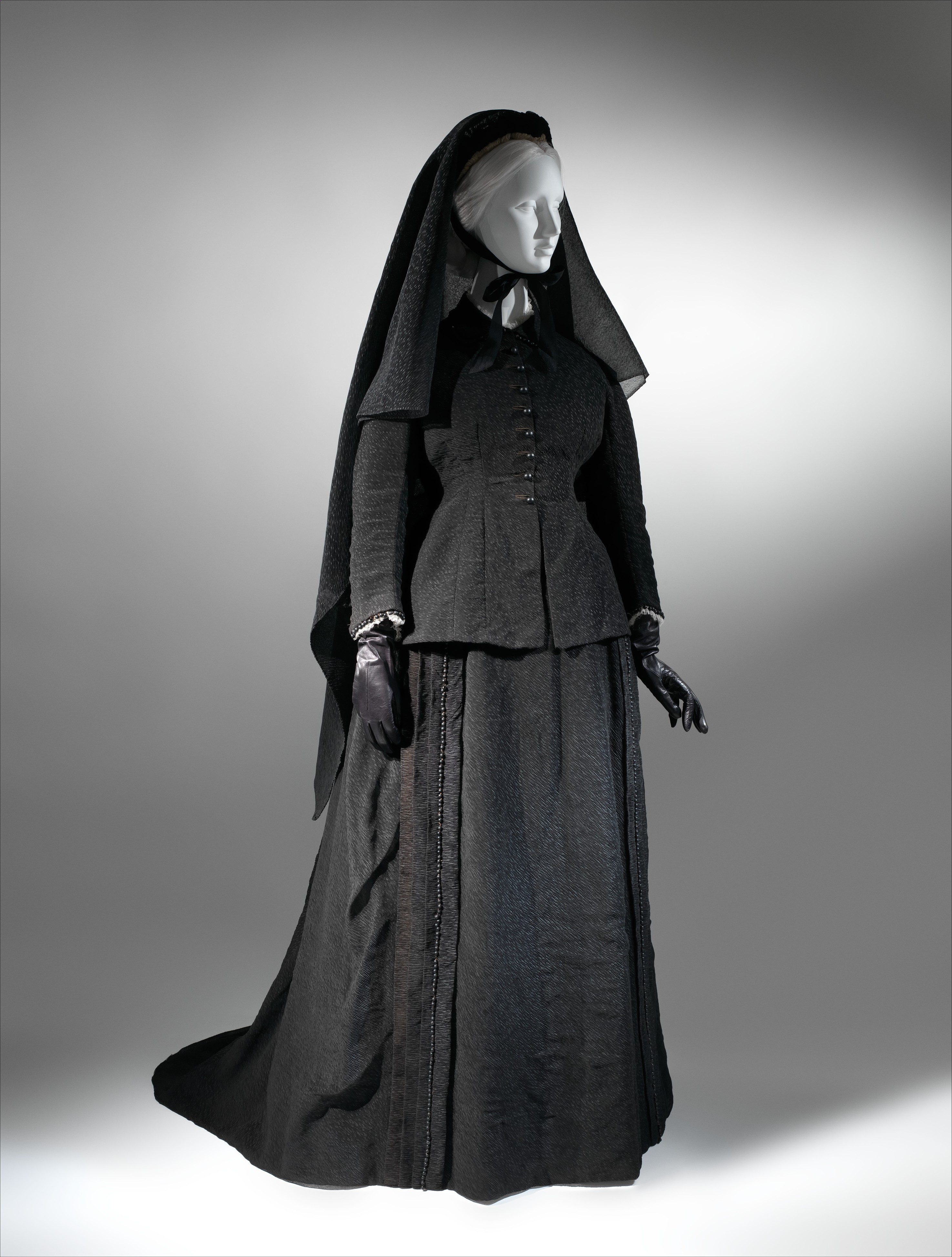 Mourning dress, silk, glass, French