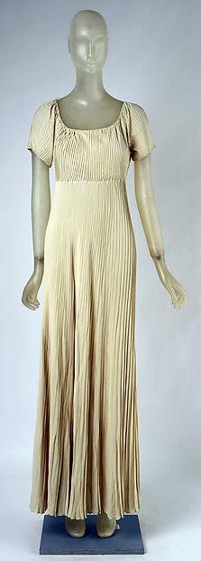 Evening dress, Madeleine Vionnet (French, Chilleurs-aux-Bois 1876–1975 Paris), silk, rayon, French
