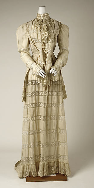 Tea gown, cotton, American