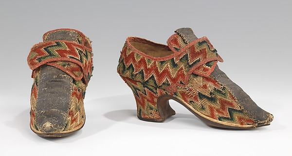 Shoes, wool, linen, metal, British
