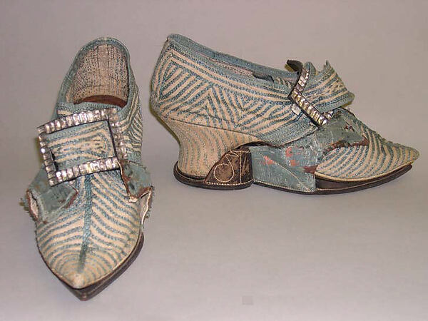 Shoes, linen, silk, leather, probably British