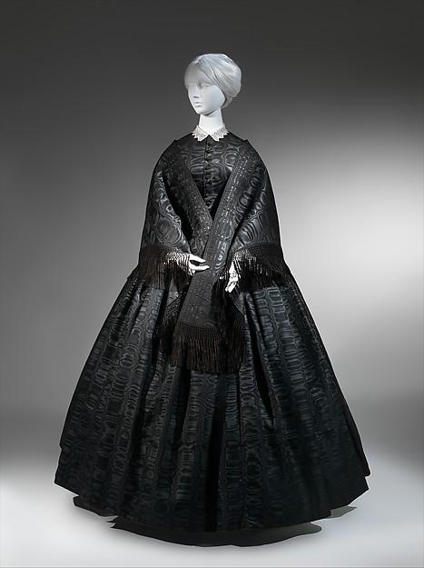 Mourning ensemble, silk/wool, silk, American