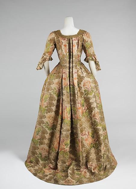 Robe à la Française, silk, metal, European