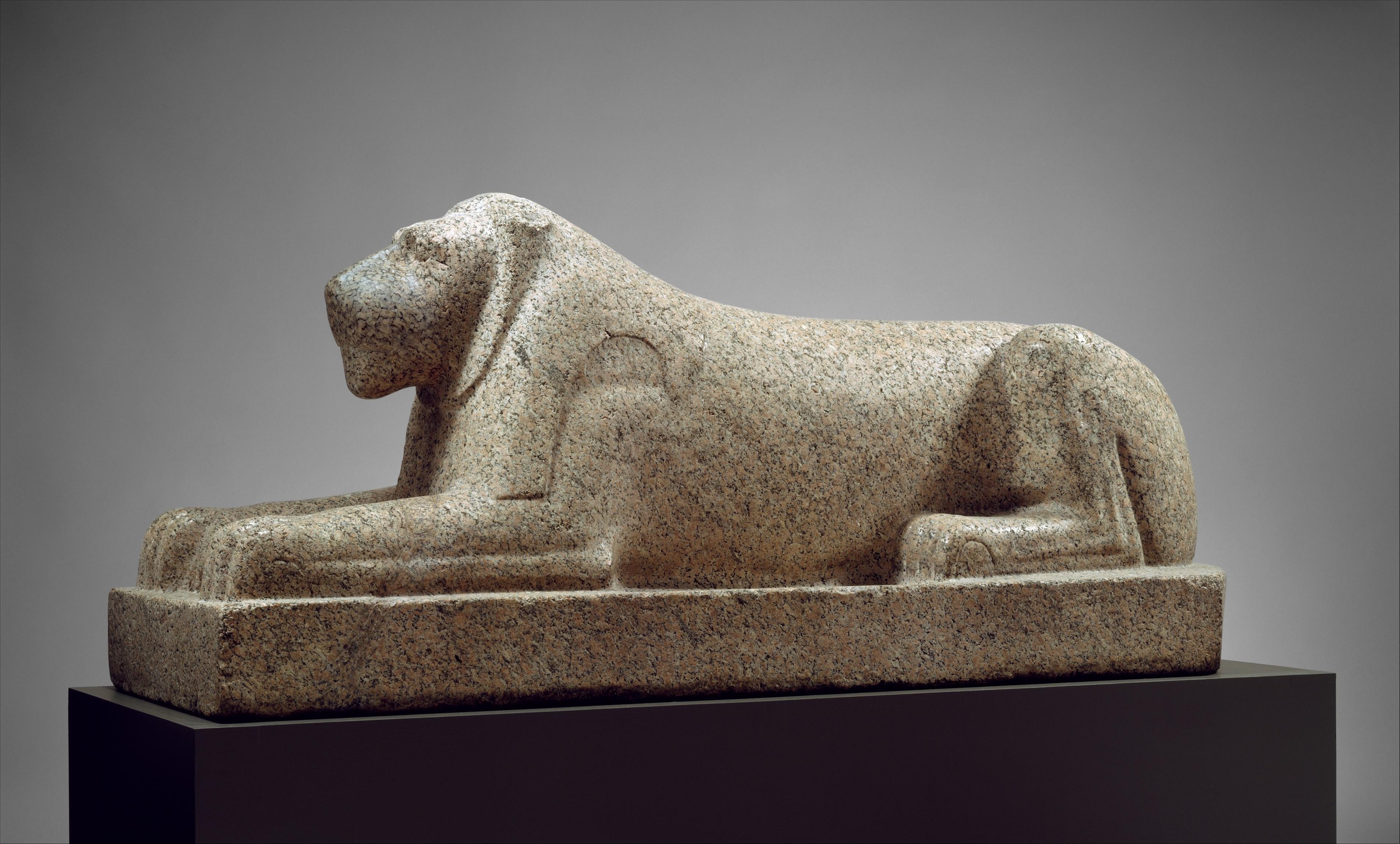أسد فرعوني يعود إلى العام 2500 قبل الميلاد - متحف الميتروبوليتان