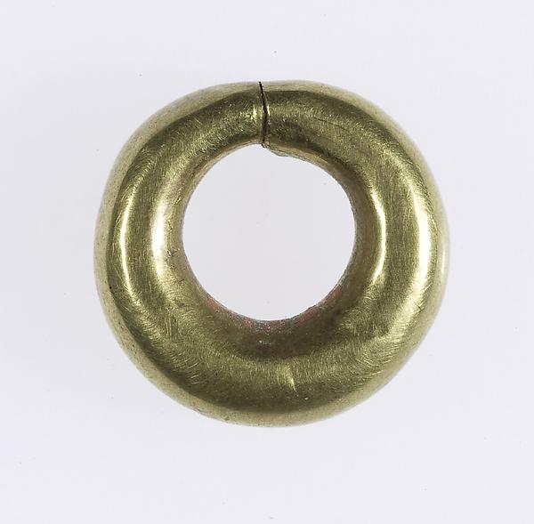 Penannular Earring, Gold