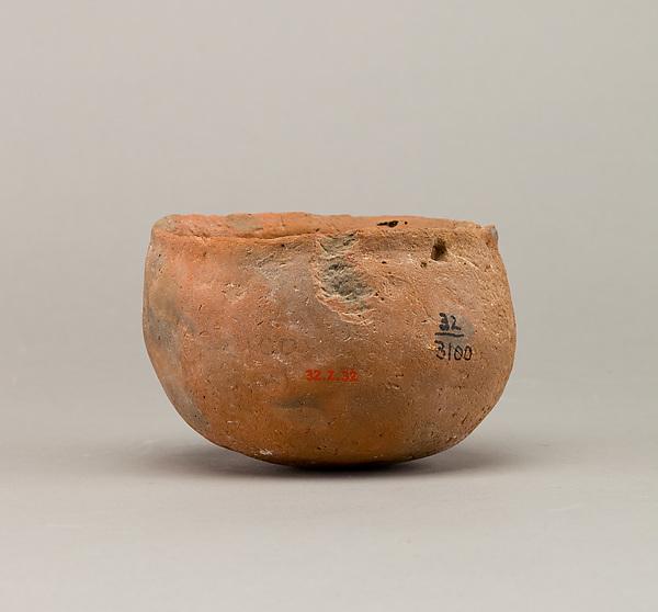 Deep bowl, Pottery