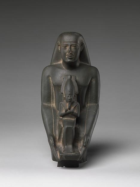 Padiamunrenebwaset, son of Irethoreru, holding a seated statue of Osiris, Green schist