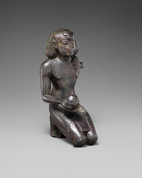 Ritual Statuette of Thutmose III, Black bronze, gold inlay