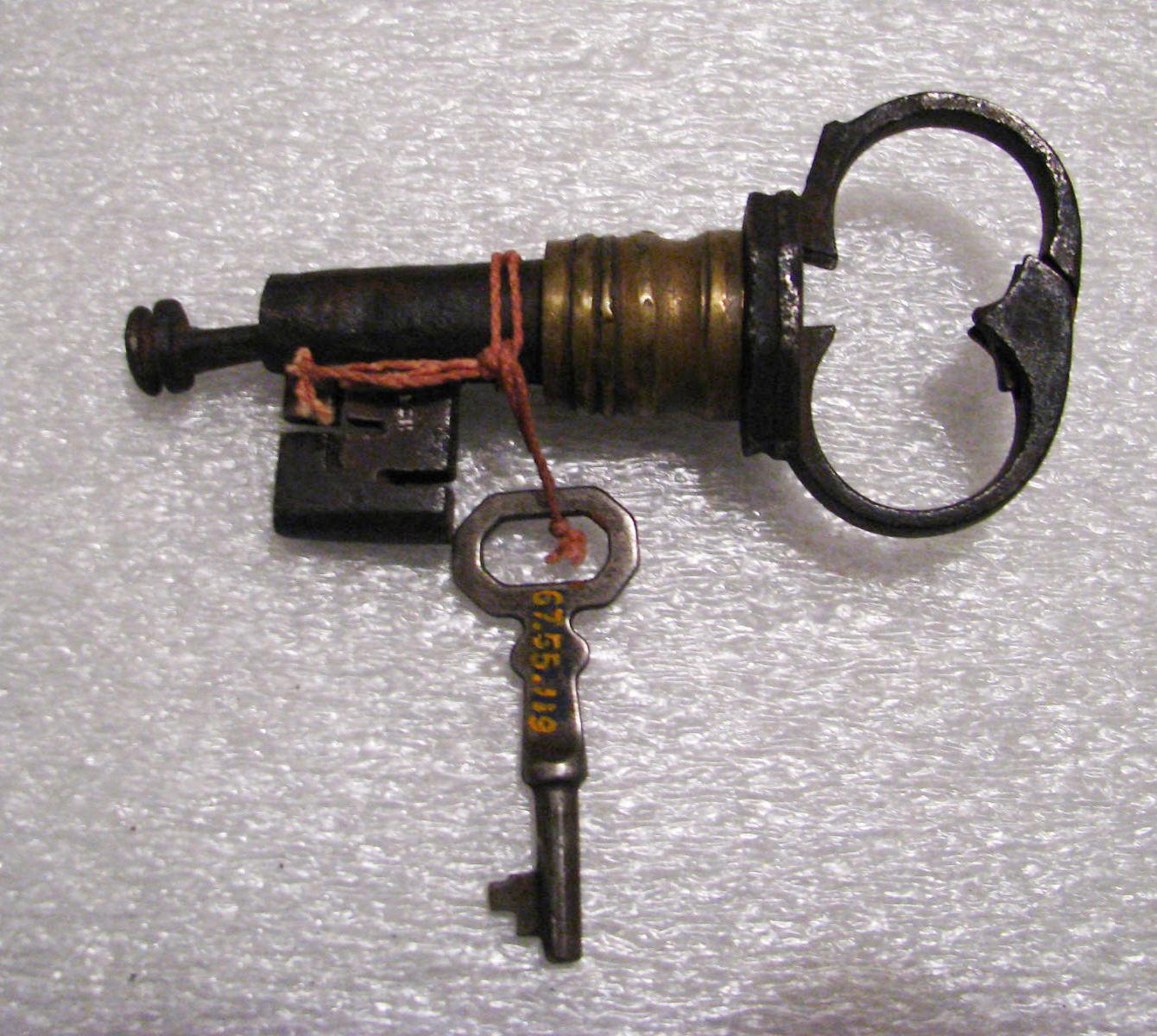 Details about  /AN ORIGINAL 17//18 CENTURY STEEL on BRASS DOOR KEY