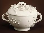 Porringer with cover (Écuelle), Cozzi manufactory (Italian, 1764–1812), Hard-paste porcelain, Italian, Venice