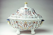 Tureen (one of a pair), Hard-paste porcelain, Chinese, for Continental (probably Portuguese) market