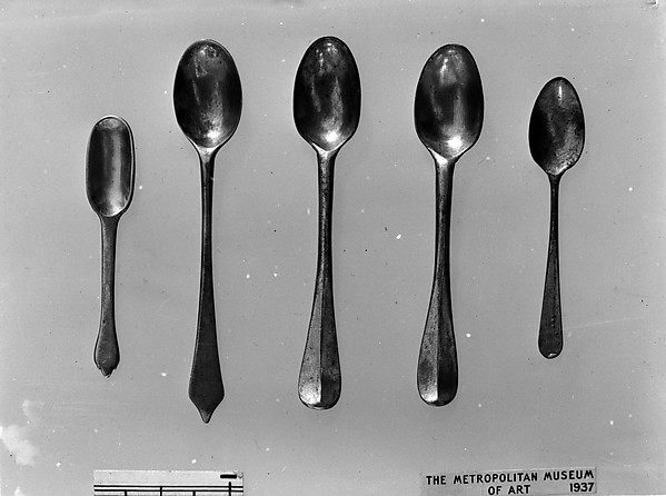Two snuff spoons, Silver, British