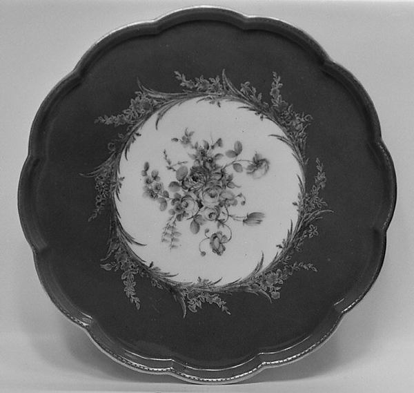 Tray (soucoupe à pied) (one of four) (part of a service), Sèvres Manufactory (French, 1740–present), Soft-paste porcelain, French, Sèvres