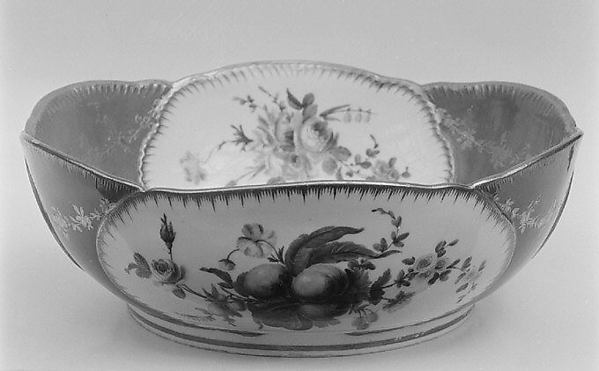 Salad bowl (saladier) (one of six) (part of a service), Sèvres Manufactory (French, 1740–present), Soft-paste porcelain, French, Sèvres