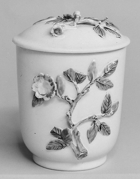 Jar with cover, Chantilly (French), Tin-glazed soft-paste porcelain, French, Chantilly