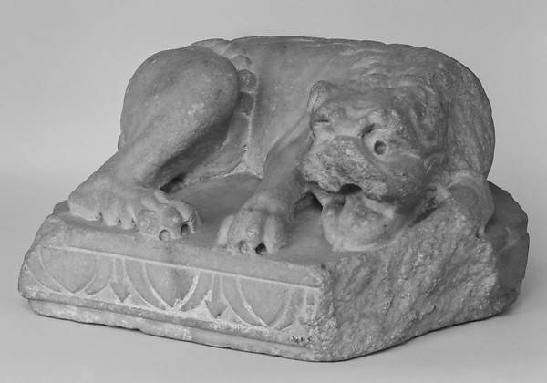 Reclining lion, Marble, possibly Spanish