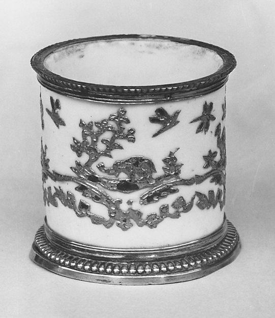 Pomade jar, Mounts probably by Paul Le Riche (French, master 1686, active 1738), Hard-paste porcelain, silver gilt, Chinese, probably Dehua with European decoration