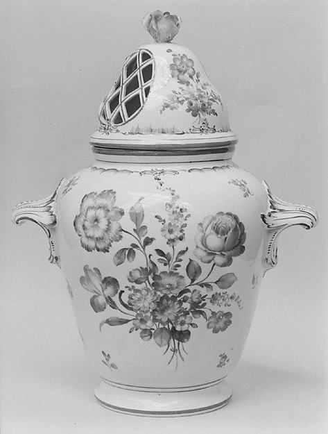 Potpourri vase with cover (one of a pair), Hard-paste porcelain, German