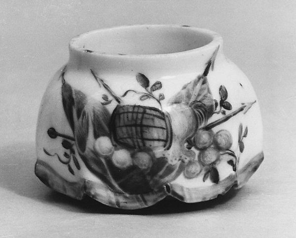 Snuffbox (?) (one of a pair), Mennecy, Soft-paste porcelain, French, Mennecy