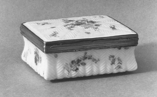 Box, Mennecy, Soft-paste porcelain, silver, French, Mennecy