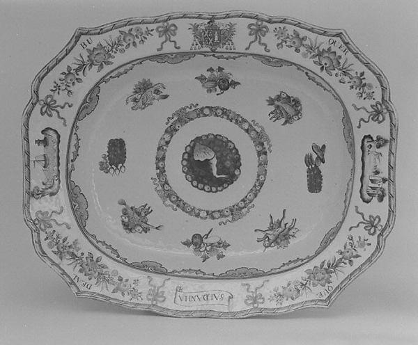 Deep platter (part of a service), Hard-paste porcelain, Chinese, for Portuguese market