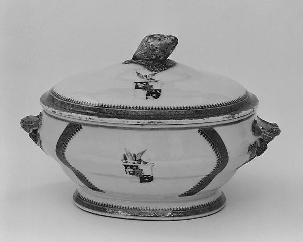 Tureen with cover (part of a service), Hard-paste porcelain, Chinese, for British market