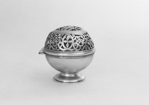 Sponge box, D.M. (unidentified), Silver, probably Irish