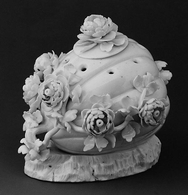 Potpourri (one of a pair), Saint-Cloud factory (French, before 1698–1766), Soft-paste porcelain, French, Saint-Cloud