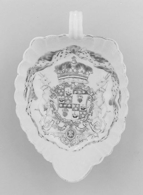 Sweetmeat dish (part of a service), Hard-paste porcelain, Chinese, for Scottish market