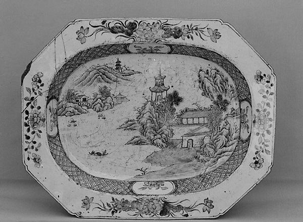 Dish, Hard-paste porcelain, Chinese, probably for British market