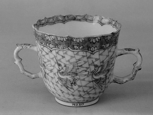 Cup and saucer, Hard-paste porcelain, Chinese, for Continental market