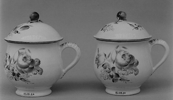 Cream pots with covers, Mennecy, Soft-paste porcelain, French, Mennecy