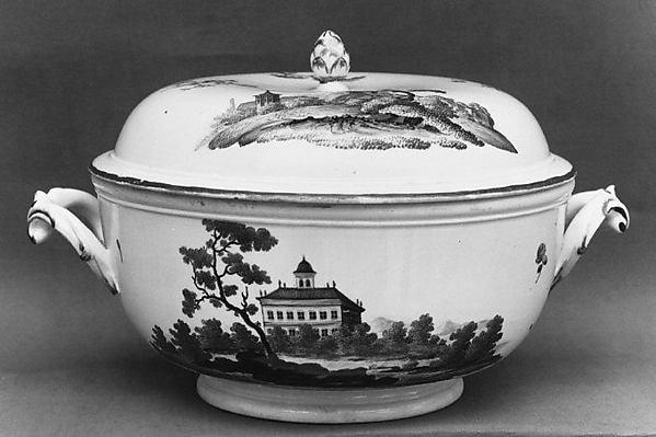Bouillon bowl with cover, Höchst Manufactory (German, 1746–1796), Hard-paste porcelain, German, Höchst