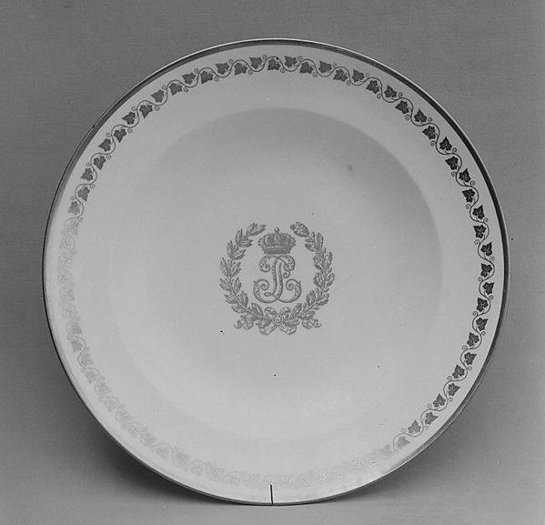 Soup plate, Sèvres Manufactory (French, 1740–present), Soft-paste porcelain, French, Sèvres