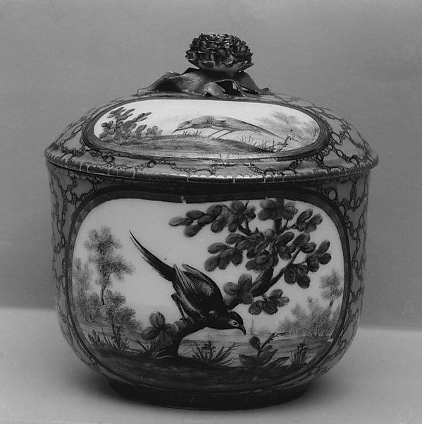 Sugar bowl, possibly Sèvres Manufactory (French, 1740–present), Soft-paste porcelain, French, possibly Sèvres