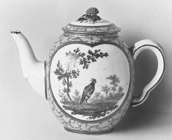Teapot, Sèvres Manufactory (French, 1740–present), Soft-paste porcelain, French, Sèvres