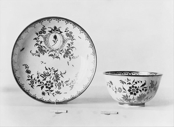 Teabowl and saucer, Cozzi manufactory (Italian, 1764–1812), Hard-paste porcelain, Italian, Venice