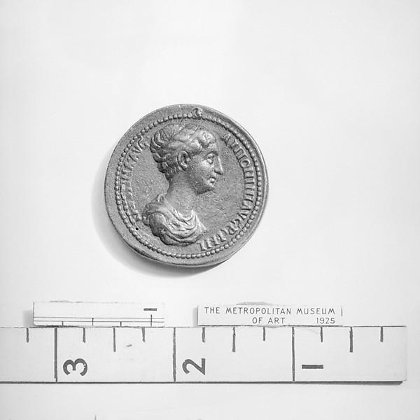 Annia Galeria Faustina, wife of Marcus Aurelius, Medalist: Giovanni del Cavino (Italian, 1500–1570), Bronze, Italian