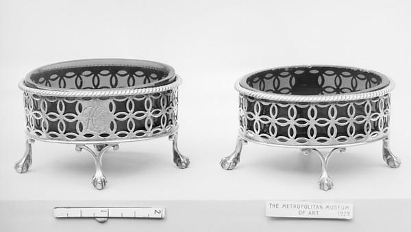 Pair of saltcellars, Edward Lowe (active 1769–78), Silver, glass, British, London