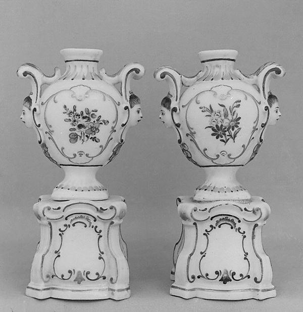 Pair of small vases, Doccia Porcelain Manufactory (Italian, 1737–1896), Hard-paste porcelain, Italian, Florence