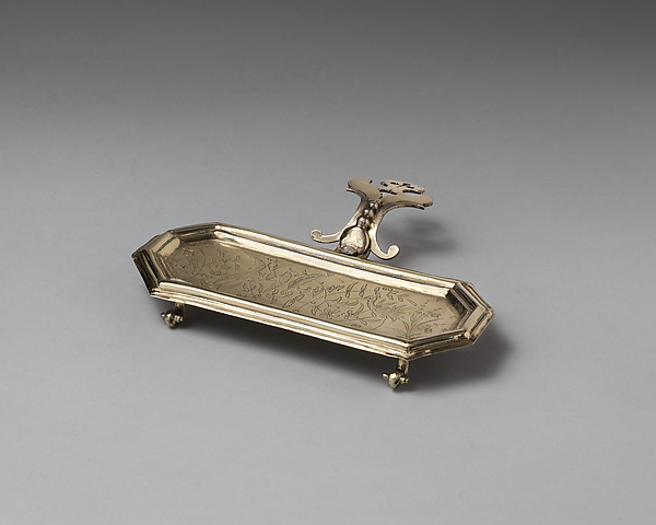 Snuffers tray (part of a toilet service), I. H., London (ca. 1683–84), Silver gilt, British, London