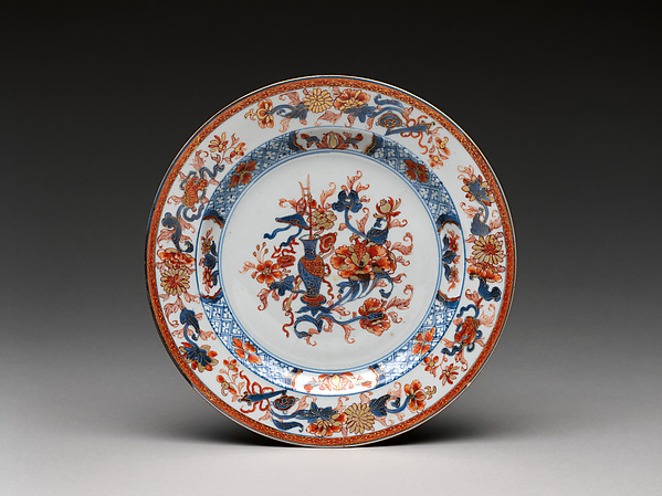 Plate with a vase of flowers, Hard-paste porcelain painted with colored enamels over transparent glaze (Jingdezhen ware), Chinese, for European market