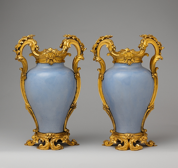 Pair of vases, Hard-paste porcelain, gilt bronze, Chinese with French mounts