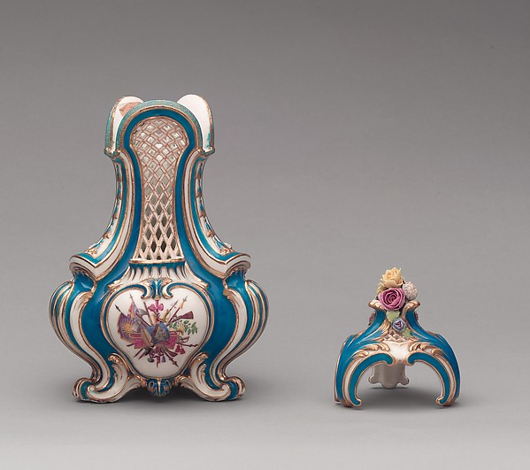 Vase with cover (vase pot-pourri triangle) (one of a pair), Sèvres Manufactory (French, 1740–present), Soft-paste porcelain, French, Sèvres