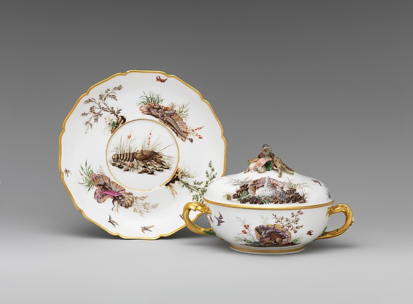Broth bowl with cover and stand (écuelle ronde et plateau rond), Vincennes Manufactory (French, ca. 1740–1756), Soft-paste porcelain, French, Vincennes
